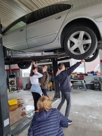Z wizytą u mechanika samochodowego
